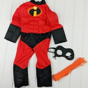 Boys 2T Dash Incredibles Costume W/ Mask & Belt
